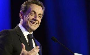 """Nicolas Sarkozy, qui a promis de se battre jusqu'à """"la dernière minute du dernier jour"""", s'est montré offensif et confiant en Vendée lors de son dernier meeting de campagne, à 48 heures d'un second tour de présidentielle où il est donné battu."""