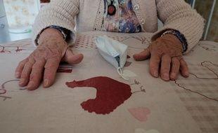 Les personnes âgées dépendantes payent un lourd tribu à la crise sanitaire. (illustration)