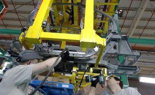 Renault, qui négocie depuis plus de deux ans l'implantation d'une usine en Algérie, a signé avec les autorités de ce pays un protocole d'accord, mais les discussions continuent en vue d'un texte définitif, a indiqué vendredi le constructeur automobile.