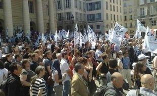 Réunis à l'appel du syndicat CFE-CGC, les cadres protestent contre la réforme du temps de travail.