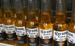 Corona USA a été critiquée pour une publicité faisant référence au coronavirus.