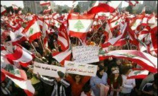 Au lendemain d'une nouvelle manifestation monstre à Beyrouth pour réclamer la démission du gouvernement, la Ligue arabe tente une médiation pour débloquer la crise politique au Liban, où l'opposition a menacé de durcir son mouvement de protestation.