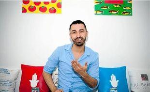 Sid Nouar a ouvert un restaurant marocain pour sourds et entendants.