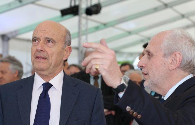 Alain Juppé et Norbert Fradin, lors de la pose de la première pierre du musée de la mer et de la marine à Bordeaux, le 28 avril 2016