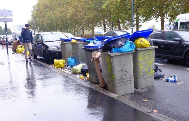 Des poubelles quai de la Fosse à Nantes, le 3 novembre 2017