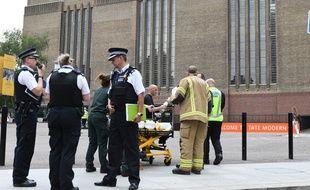 Le petit garçon, tombé du 10e étage du musée Tate Modern de Londres, le 4 août 2019, a été évacué par hélicoptère.