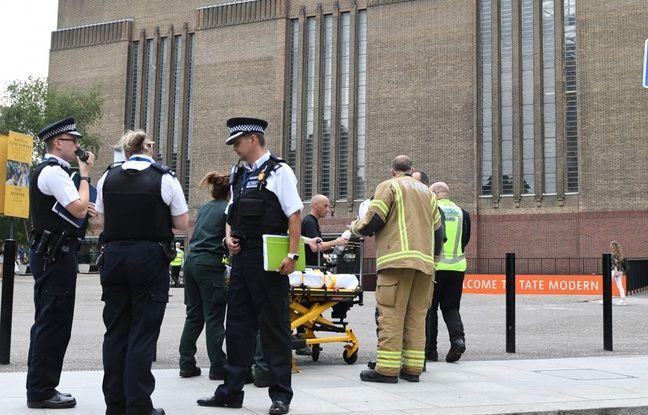 Tate Modern à Londres: Le jeune, accusé d'avoir poussé un enfant du 10e étage, condamné à la prison à vie