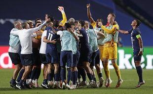 La joie des joueurs du PSG après leur victoire 0-3 contre Leipzig qui les qualifie pour la finale de la Ligue des champions.