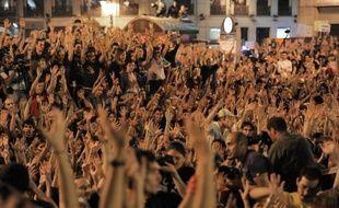 """Les """"indignés"""", qui réclament notamment une réforme de la loi électorale pour donner la parole aux petits partis, exclus du Parlement, prévoient de manifester à Madrid le 13 novembre puis le 19, veille du vote, défiant une interdiction décrétée par les autorités."""