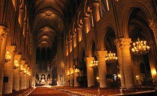 Eclairage intérieur de Notre-Dame de Paris, le 11 mars 2014.