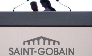Le logo de Saint-Gobain lors de l'Assemblée générale du 6 juin 2013 à Paris