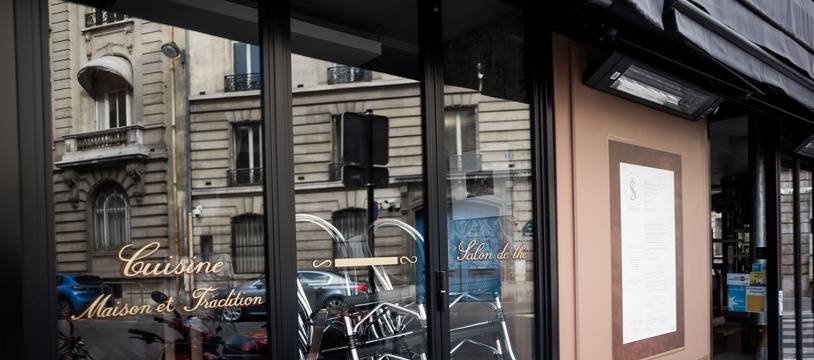 Un restaurant fermé en raison du confinement, à Paris le 4 novembre 2020.