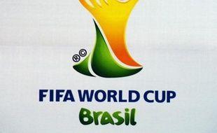 La Fifa a promis vendredi que tous les joueurs du Mondial-2014 au Brésil seront sous la surveillance du passeport biologique, rétorquant ainsi aux critiques de l'Agence mondiale antidopage (AMA) qui reproche au football de ne pas en faire assez en matière de lutte antidopage.