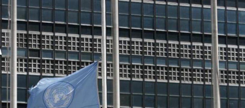 La Déclaration universelle des Droits de l'Homme a été adoptée par les Nations Unies le 10 décembre 1948.