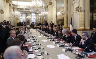 Négociations entre patronat et syndicats, le 10 décembre 2018 à l'Elysée.