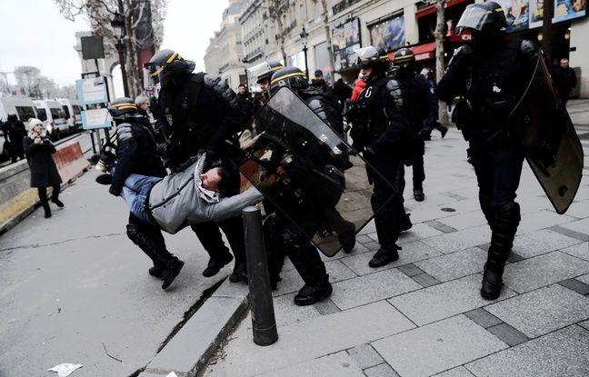 «Gilets Jaunes»: Christophe Castaner a décoré des policiers soupçonnés de faits de violences