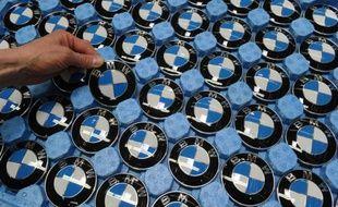 """Le constructeur automobile allemand BMW, roi du haut de gamme, s'est dit mardi """"prudemment optimiste"""" pour 2013, année pour laquelle il vise un bénéfice avant impôts proche de celui de 2012."""