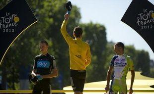 Le Tour de France 2014, qui partira d'Angleterre, commencera par une étape en ligne, le 5 juillet, entre Leeds et Harrogate dans le Yorkshire