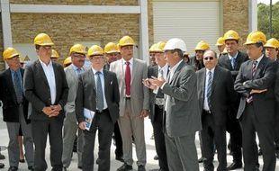 De gauche à droite au premier plan : Jean-Pierre Moure, président de Montpellier Agglomération, Jean-Marc Azaulet, président du Syndicat du Bas Languedoc et Jacques Berge, ingénieur des eaux.