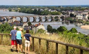 Illustration de la Loire à Saumur.