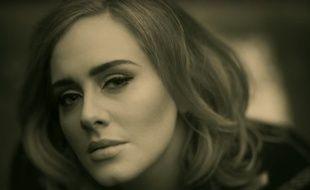 La chanteuse Adele dans le clip «Hello»