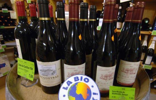 Des vins biologiques vendus dans une coopérative.