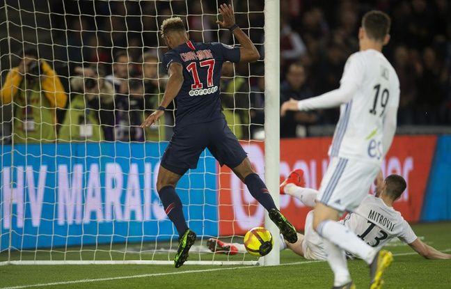 "Choupo Moting ""stopped"" Nkunku's shot on April 7, 2019 at PSG-Strasbourg."