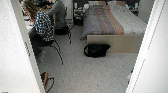 l 39 auberge espagnole plus que la cit u. Black Bedroom Furniture Sets. Home Design Ideas