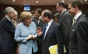"""L'introduction d'euro-obligations, un outil de mutualisation des dettes européennes, ne sera pas envisageable pour Berlin avant """"de nombreuses années"""" a déclaré lundi un porte-parole du gouvernement allemand."""