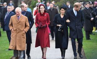 Le prince Charles, William et son épouse Kate, Meghan et son époux Harry à Norfolk, dans l'est de l'Angleterre, le 25 décembre 2018.