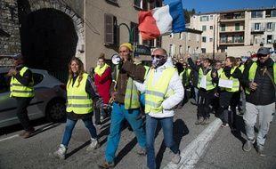 """Marche de """"gilets jaunes"""" à Sisteron, le 24 février 2019."""