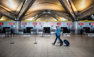 L'aéroport de Lyon transporte 8,5 millions de passagers par an.