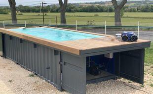 Une piscine fabriquée par la société toulousaine Soniga à partir de containers maritimes recyclés.