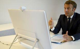 Emmanuel Macron en visioconférence, illustration