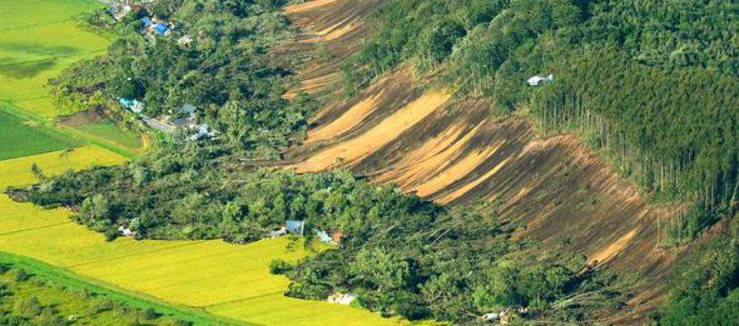 Un séisme de magnitude 6,6 dévaste le nord du Japon