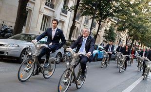 Tony Estanguet et Thomas Bach à Paris le 2 octobre 2016.