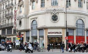 Les Galeries Lafayette ont assuré samedi que Casino allait étudier lundi sa proposition de racheter sa part dans leur filiale commune Monoprix pour 1,35 milliard d'euros, mais Casino a répliqué qu'il n'avait pas l'intention de la céder.
