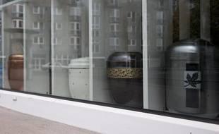 Les inhumations par crémation ont dépassé pour la première fois en 2011 les enterrements classiques en Allemagne, a-t-on appris mercredi auprès d'un porte-parole de la fédération allemande des pompes funèbres.