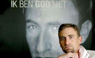 Franck Vandenbroucke présentant son livre en avril 2009 «Ik Ben God Niet / Je ne suis pas Dieu».