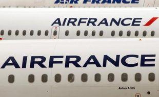 """La direction d'Air France a fait savoir vendredi qu'aucun de ses dirigeants ne bénéficiait plus de retraite chapeau depuis le début de l'année, en réponse à des syndicats qui dénonçaient un régime de retraite """"choquant""""."""