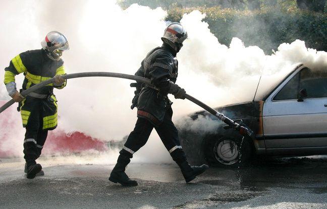 Bron: Un homme tente de suicider en mettant le feu à sa voiture