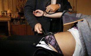 L'épidémie de gastro-entérite, qui a déjà touché près de 400.000 personnes, gagne la France métropolitaine, et les médecins rappellent que l'hygiène des mains, principale arme contre sa propagation, reste encore trop souvent négligée.