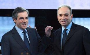 Les prétendants à la présidence de l'UMP, François Fillon et Jean-François Copé, se sont retrouvés jeudi soir pour un débat télévisé -inédit à droite- avec quelques piques mais surtout des échanges d'amabilité et pas d'attaque frontale.
