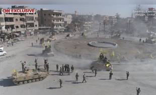 A Raqqa, Al-Naïm square, surnommé le «rond-point de l'enfer» a été libéré le 16 octobre 2017 par les Forces démocratiques syriennes.