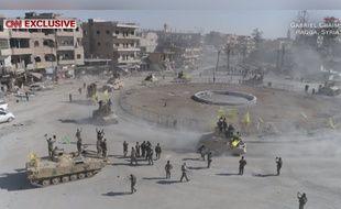 A Raqqa, Al-Naïm square, surnommé le «rond-point de l'enfer», a été libéré le 16 octobre 2017 par les Forces démocratiques syriennes.