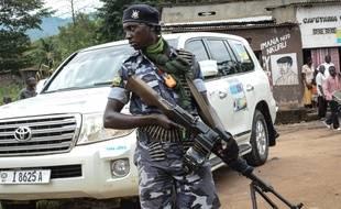 Un garde armé burundais, le 11 mai 2018.