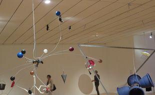 """Lyon, le 18 septembre 2017. """"RainForest"""" de David Tudor est exposée au Mac de Lyon dans le cadre de la 14e biennale d'art contemporain."""