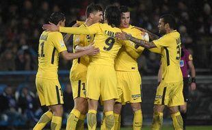 Edinson Cavani et les siens l'ont remporté à Strasbourg en huitièmes de finale de la Coupe de la Ligue, prenant leur revanche sur les Alsaciens après leur défaite en Ligue 1.