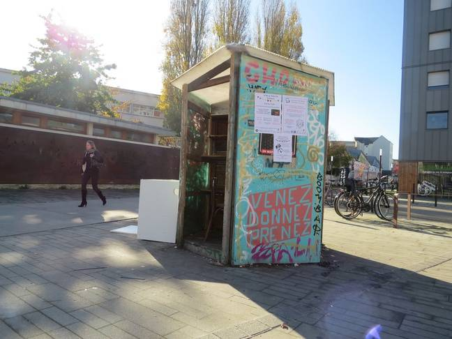 La boîte utile de la rue Paul-Nizan à Nantes