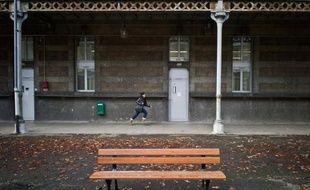 """S'il n'existe pas de statistiques officielles, on estime entre 4.000 et 9.000 le nombre de """"mineurs isolés étrangers"""" (MIE) en France"""